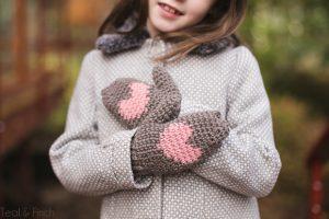 Heart mittens crochet pattern